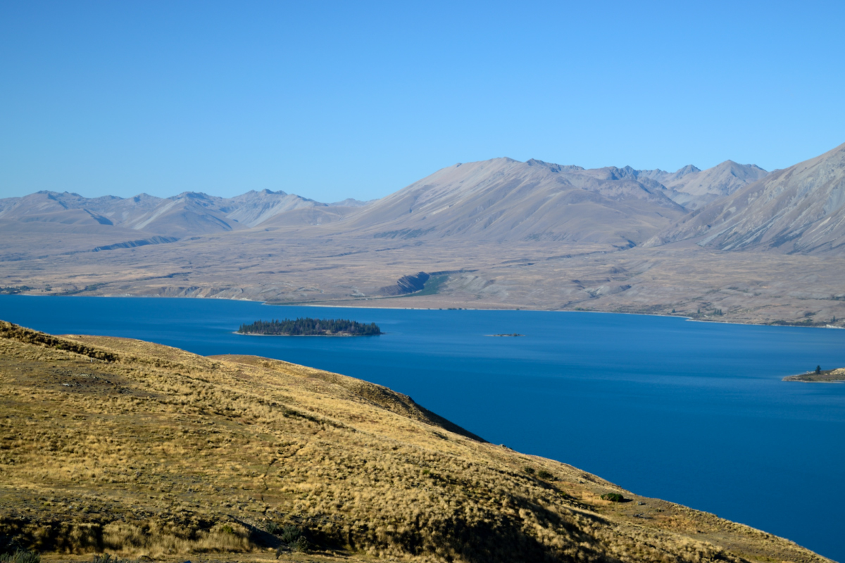 Lake Tekapo and Mackenzie mountains from Mt John Oberservatory